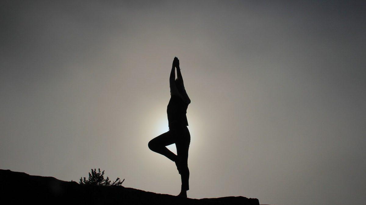 yoga-pose  Porque yoga individualizado yoga pose 1082172 1920 1200x675